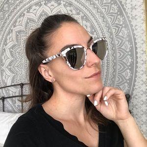 ✨Last Chance!✨Marble Sunglasses
